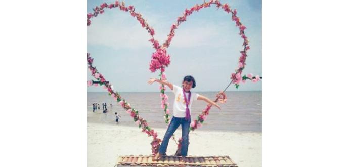pantai romantis perbaungan
