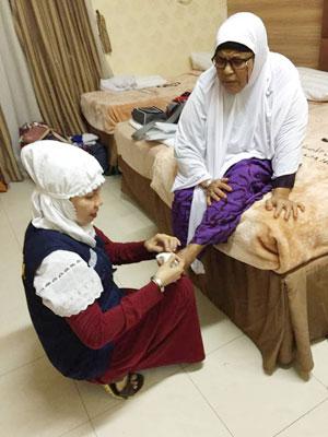 Perawatan luka ganggren ibu Aminah asal Aceh Timur