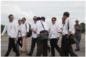 Dirut Inalum Winardi saat tiba di Kalimantan Utara untuk jajaki investasi smelter baru di Tanjung Selor.